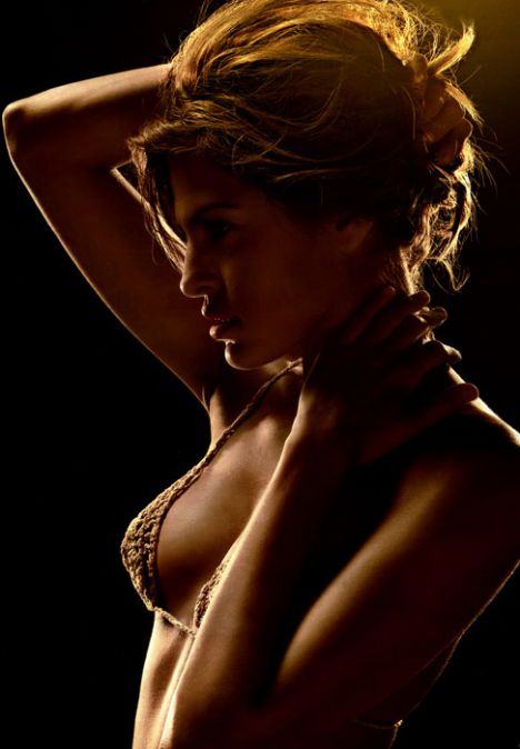 Eva Mendes Vogue'a soyundu - 70